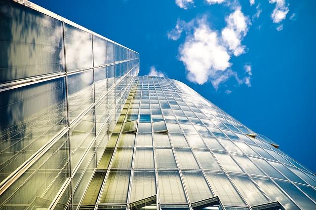 Jakie uprawnienia są potrzebne, aby móc świadczyć usługi wysokościowe?