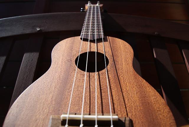 Co to jest ukulele? Informacje dla początkujących
