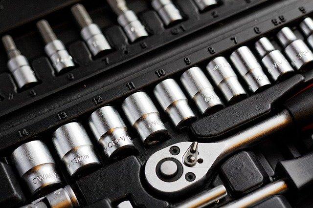 Jakie narzędzia przydadzą się każdemu mężczyźnie?